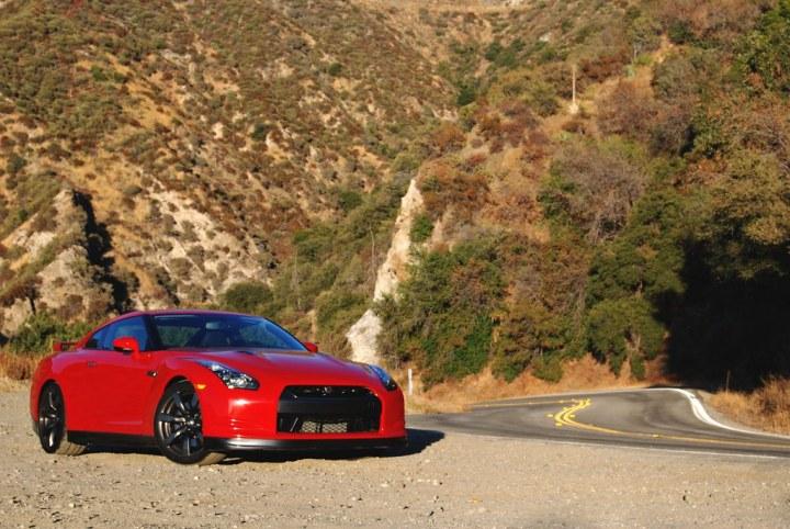 2011 Nissan GTR Exterior (3)