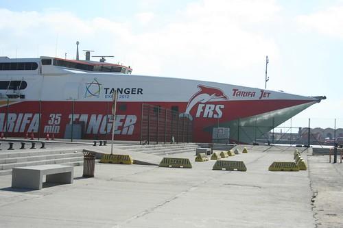 ferry Tarifa hasta Tánger en el puerto de Tarifa en el sur de España, Cómo viajar desde España a Marruecos, Barco Tarifa hasta Tánger