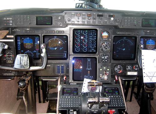 20100807 1404 - Cape Cod - on plane - cockpit - IMG_2206