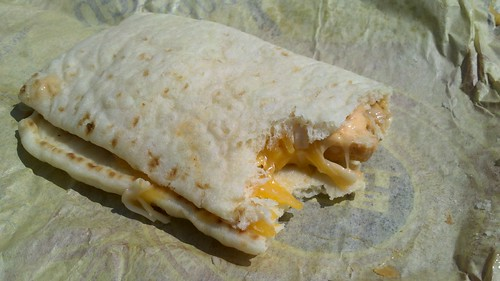 taco bell's chicken flatbread sandwich