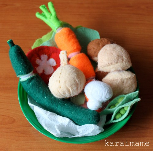 Felt food: vegetable plate