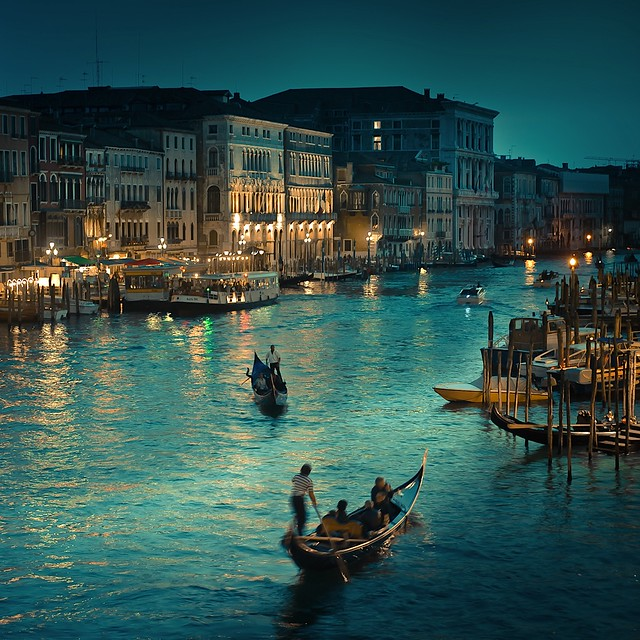 Cuba Gallery: Italy / Venice / Rialto Canal / natural light / vintage / night / photography