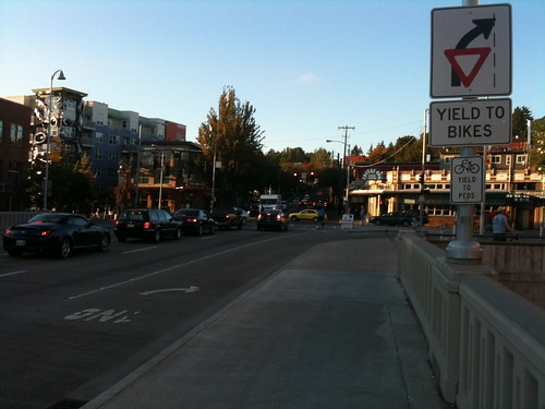 Fremont bridge signage