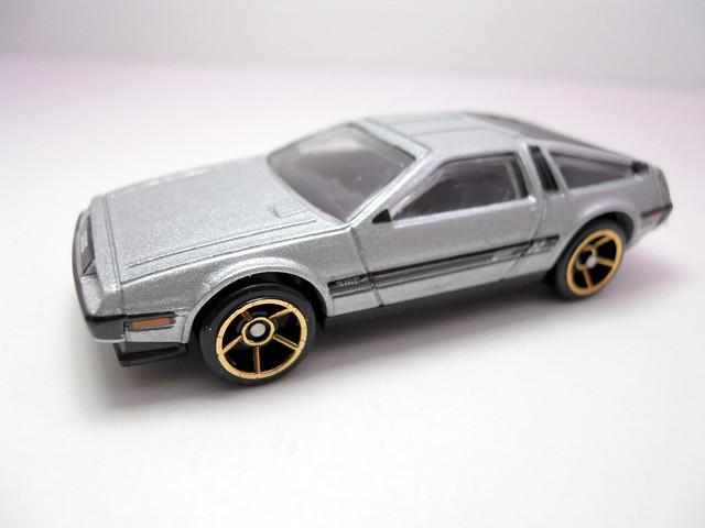 hot wheels '81 delorean dmc-12 silver (2)