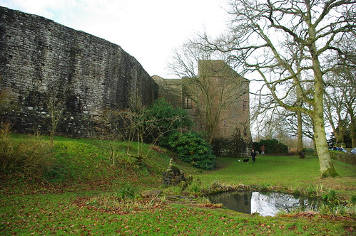 20110227-14_St Briavels Castle Moat + Walls by gary.hadden
