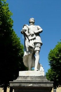 Étienne de La Boétie Statue