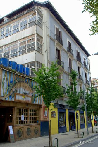 Edificios en la calle Alhóndiga