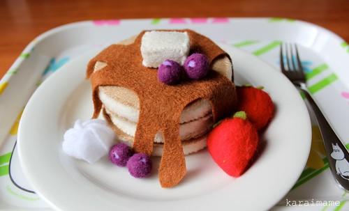 Felt toy pancakes
