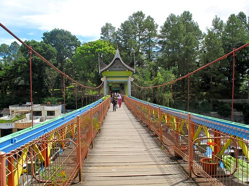 the Bridge in Bukittingi between the Zoo and the old Dutch Ford
