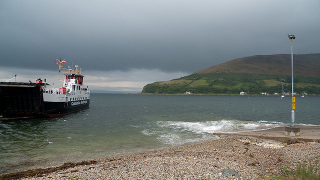 Waiting for the ferry to leave Lochranza
