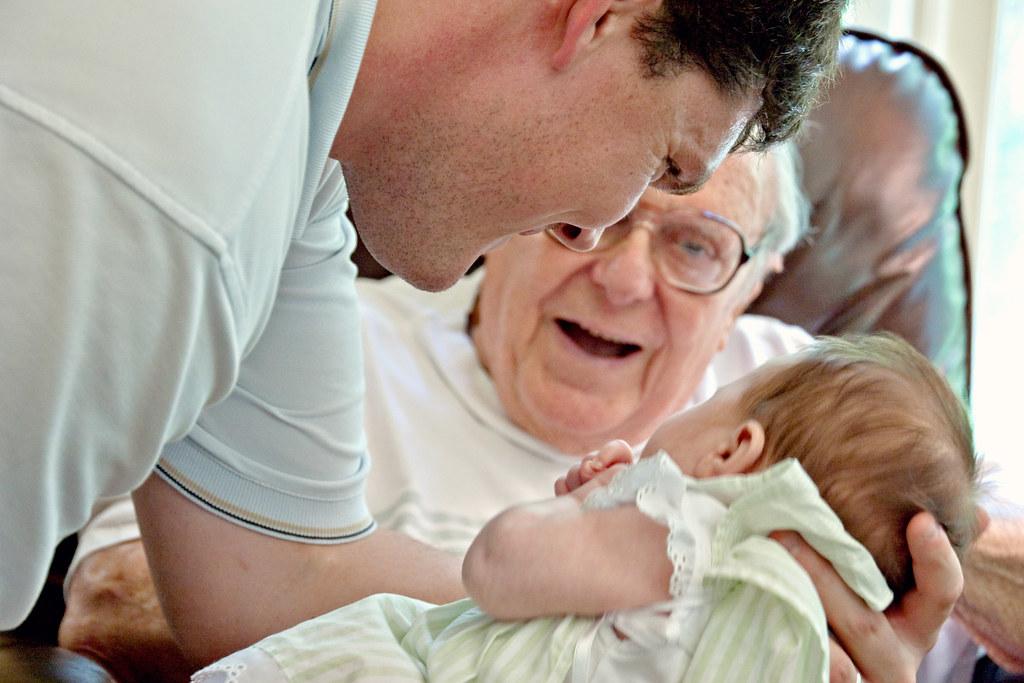 e_MG_2946 David, Olivia and Granddad
