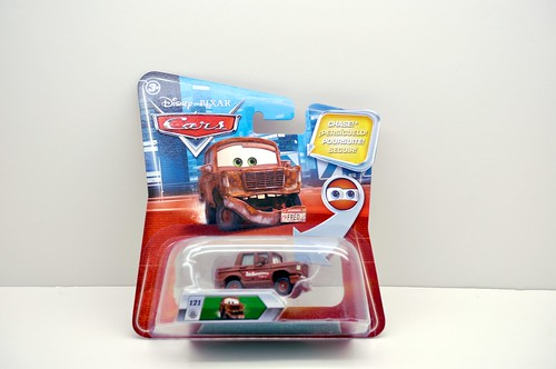 disney cars chase fred with fallen bumper international (1)