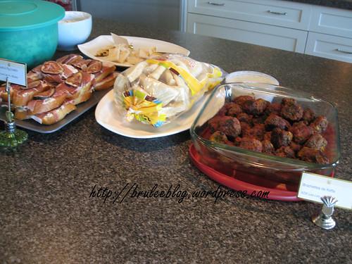 kefta, prosciutto and fig crostini, and tzaziki