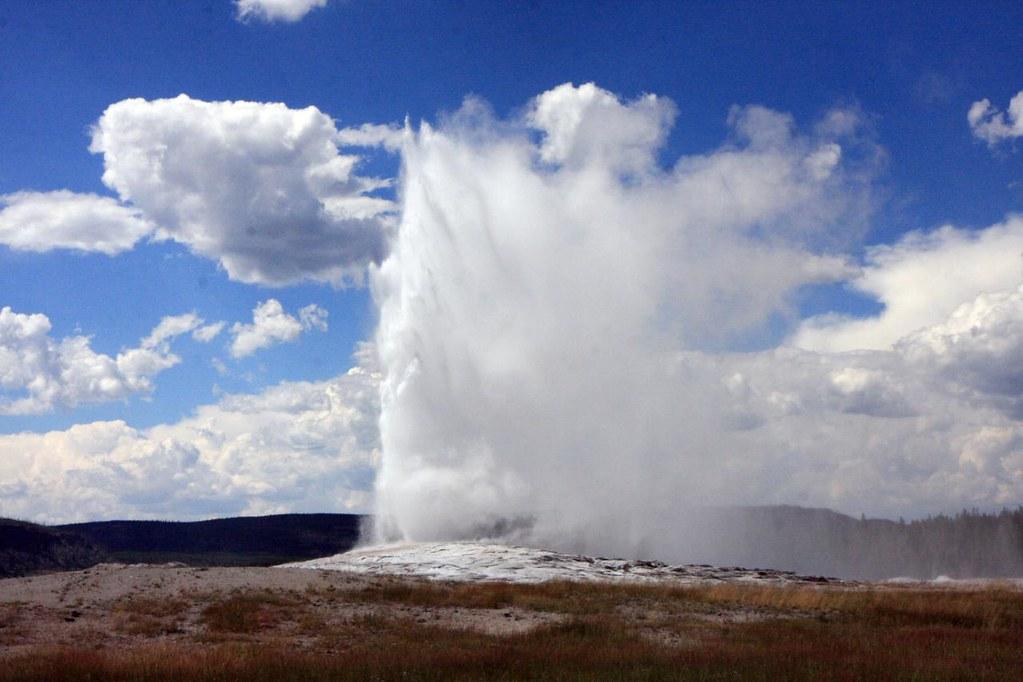 Old Faithful-during eruption
