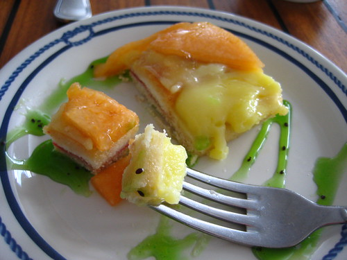 canteloupe cream tart w/ kiwi sauce