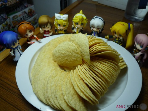 Voca-Puchis are eyeing the Pringles
