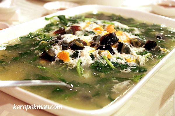 Triple Eggs with Vegetables Soup