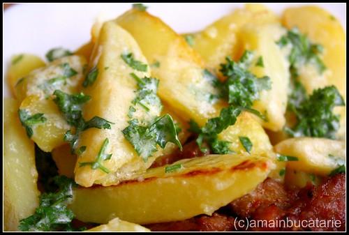 Cartofi cu mascarpone si verdeata