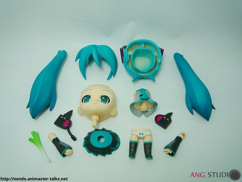 Nendoroid Hatsune Miku - Surgery in progress