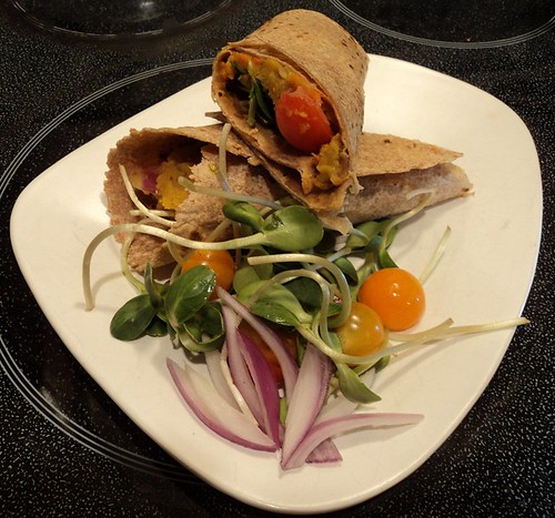 Sunflower walnut-lentil wraps with carrot sauciness
