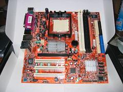 2005-10-30 00:53 FOXCONN WinFast 6150K8MA-8EKRS