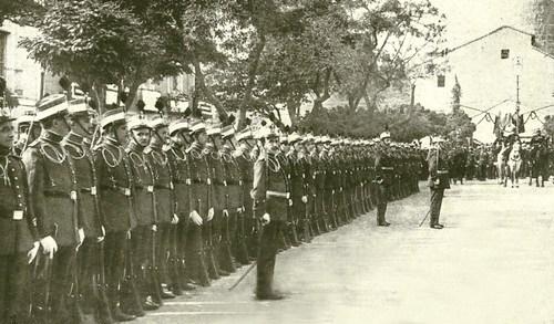 %C3%81vila.+Jura+de+banderas+de+los+nuevos+cadetes+de+la+Academia+Militar.+Plaza+de+Santa+Teresa.