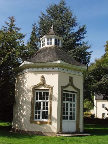 201009190056_chateau-de-Septfontaines-pavilion