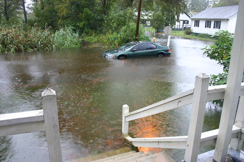 Elizabeth City - Flood - Stuck Car from Porch (by Ryan Somma)