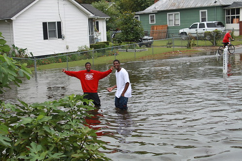 Elizabeth City - Flood - Students Wade Home