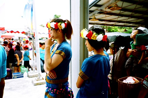 [台東鐵道藝術村]準備表演的部落少女們