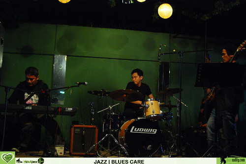 Jazz Blues Care - Deva Permana-Riza Arshad-Ari Firman (4)