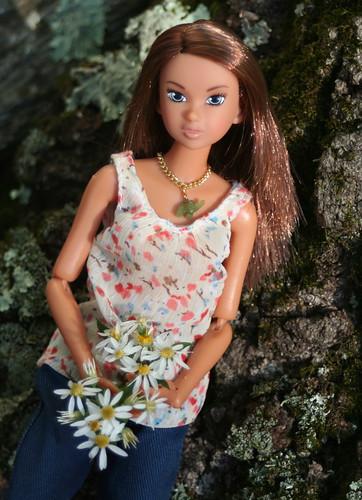 Momoko Gathers Autumn Wildflowers