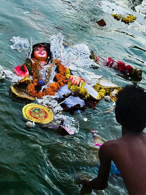 रद्दा जोहत रईहव दुर्गा दाई