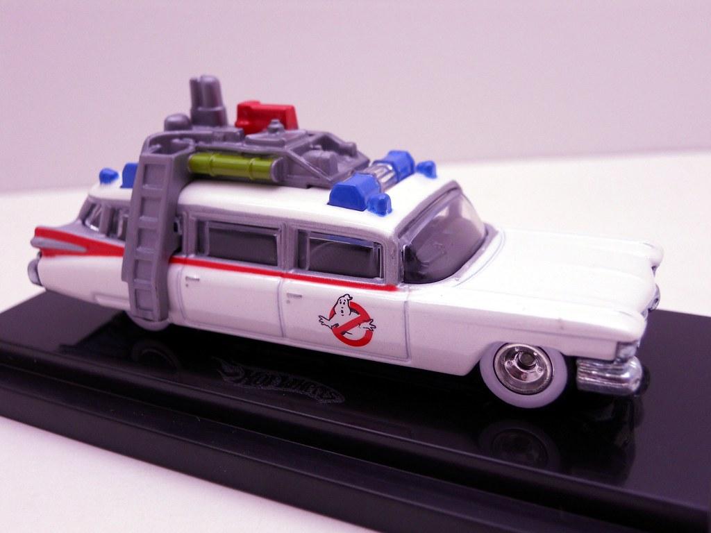 2010 sdcc hot wheels ecto-1 (6)