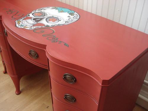 red skull desk NG (1)