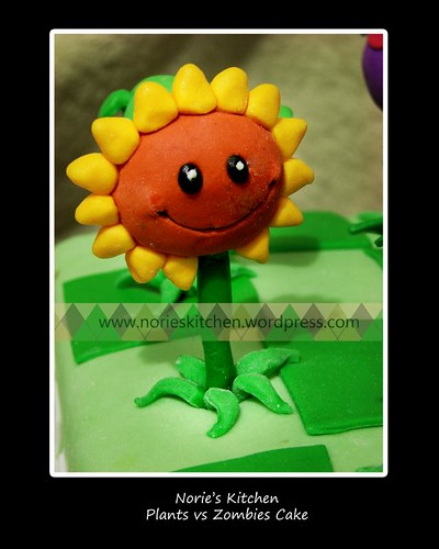 Nories Kitchen - Plants vs Zombies Cake - Sunflower