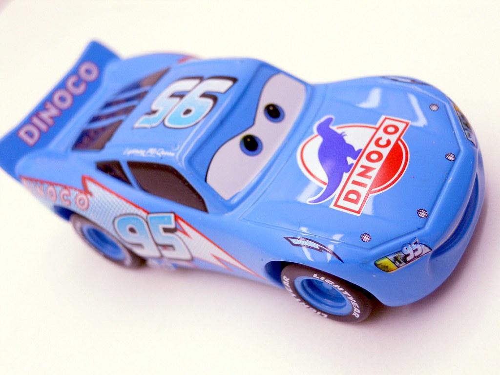 tomica disney cars dinoco lightning mcqueen (6)