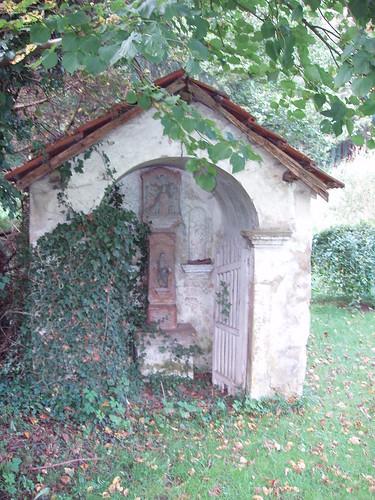 200608270033_Larochette-shrine