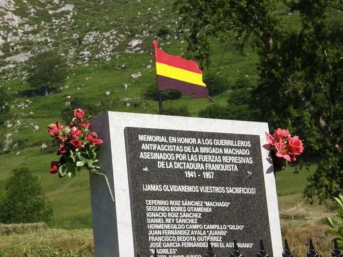 Memorial por los guerrilleros de la brigada Machado