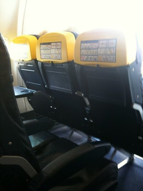 Ryanair: flight from Beziers to London Luton