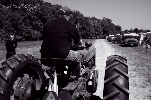 On the tractor to the fair