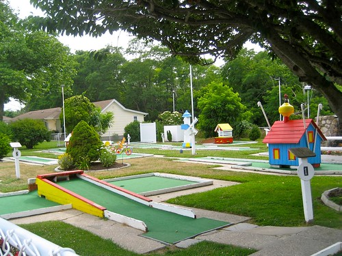 Drossos Motel Miniature Golf