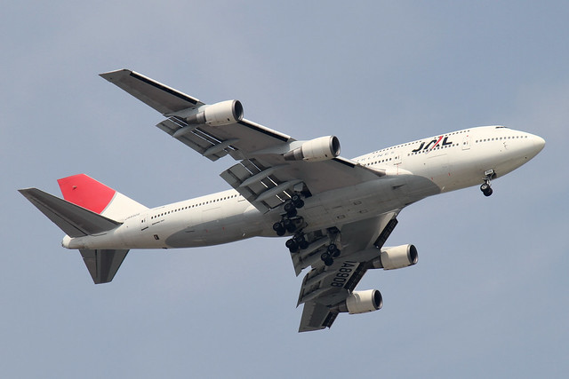 JAL B747-400D(JA8908)