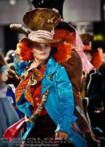 Dragon*Con Parade 2010 - Alice Mad Hatter