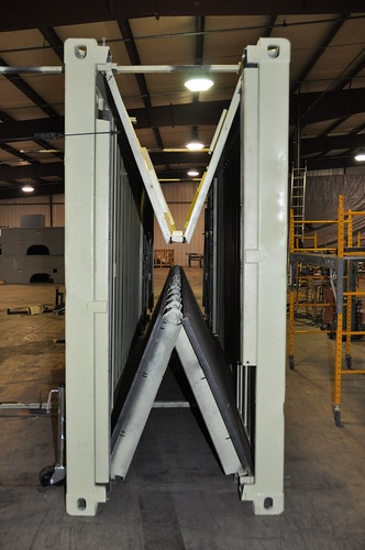 4816836825 2dc9a0cdfb - Vertical folding shipping container