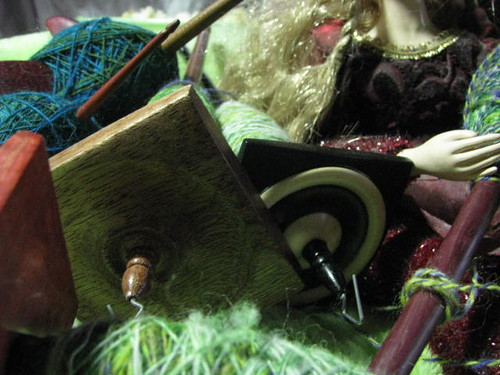 Fine Spinning on Spindlewood spindles