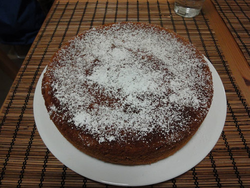 Olive oil and dessert wine cake