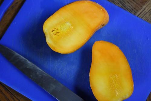 Prepping mangoes