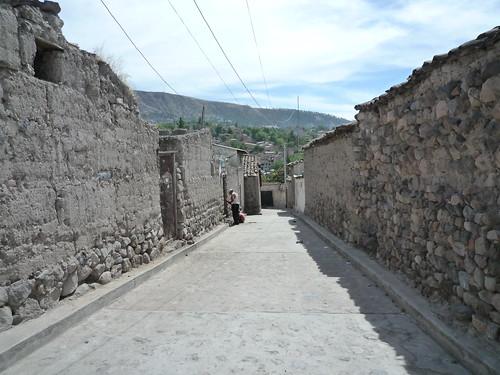 Strasse von Lehmhaeusern, Ayacucho