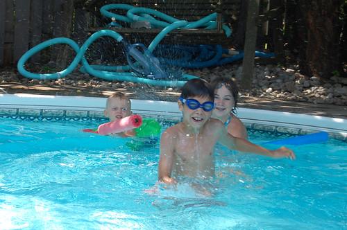 4/52 - Swimming Pool